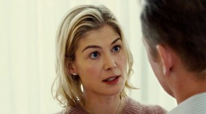 rosamund-pike-in-hector-and-the-search-for-happiness-movie-4